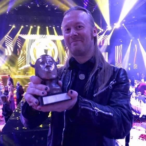 フィンランドのグラミー賞でStam1naがベストメタルアルバムを受賞_b0233987_21141883.jpg