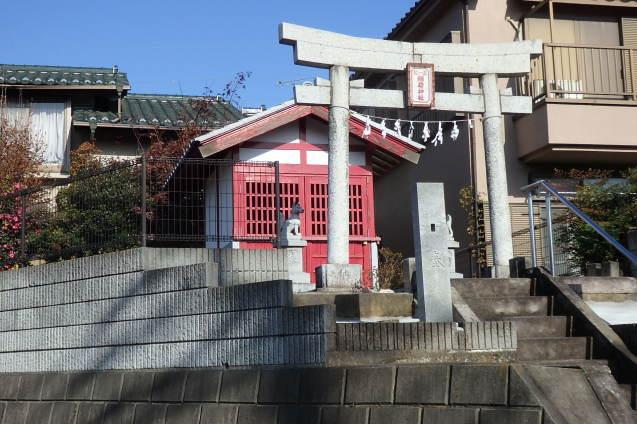 稲荷神社_d0361999_12030202.jpg
