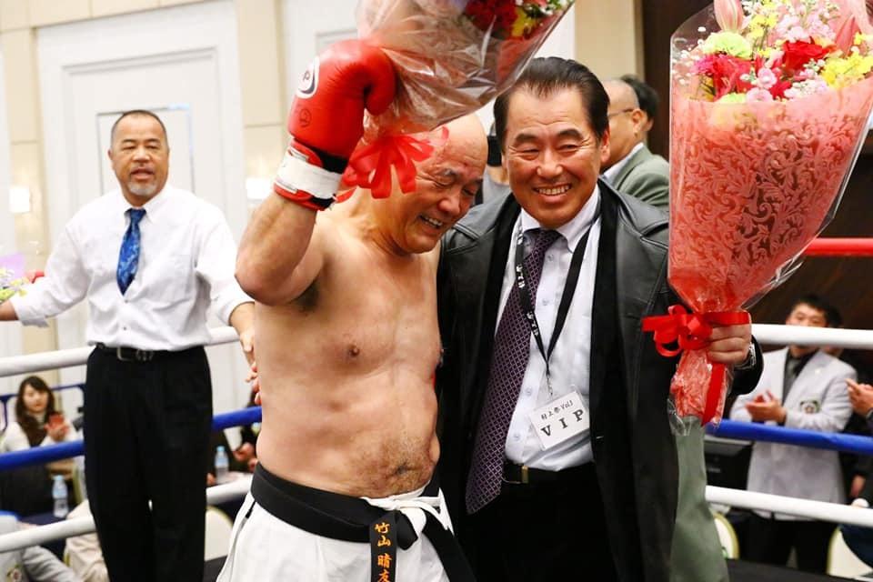 吉倉社長から、村上祭りの「竹山選手還暦祝い、引退セレモニー」の写真を送って頂きました。_c0186691_10133755.jpg