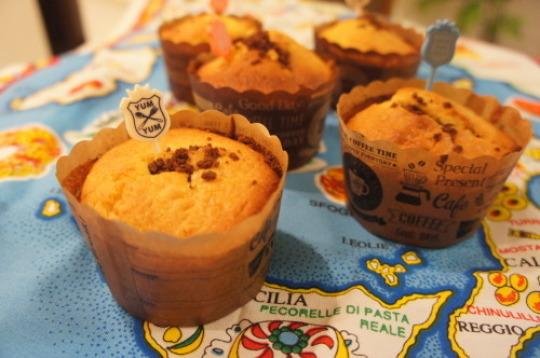 【クリームチーズとチョコクランチのマフィン(レシピ)】_f0215714_16304780.jpg