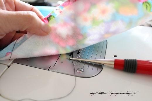 仕上がりがきれいな『アクセントタグ』の縫い付け方(コットンタイム3月号掲載)_f0023333_21412653.jpg