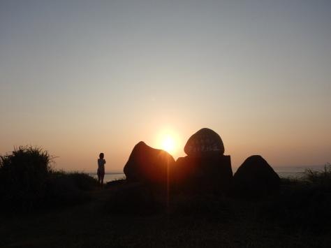 2月7日 とーるのお散歩コース② 夕日が見える丘→久部良バリ→塩工場跡地_b0158746_21573613.jpg