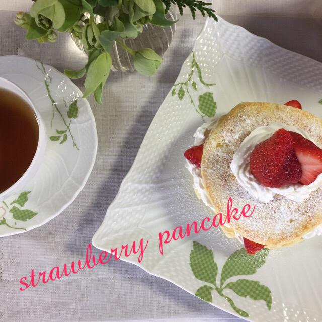 苺のパンケーキ_c0223630_10473708.jpg