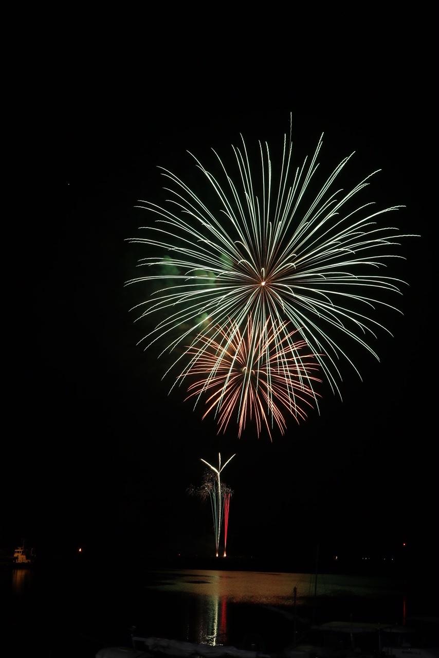 ゆめ花火が冬の空に上がった_e0175370_08471212.jpg