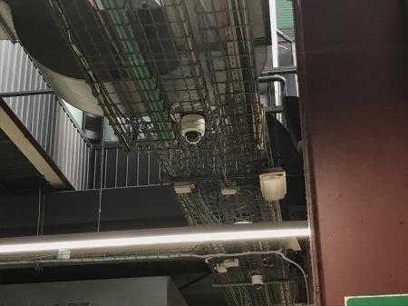 防犯カメラと中央市場地上階_a0136671_00000890.jpg