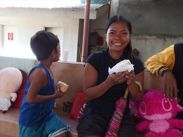 2018年フィリピン マリンドォケ島3地域 友好支援配布イベントのご報告_e0135675_13105039.jpg