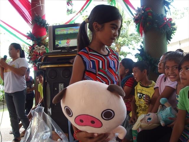 2018年フィリピン マリンドォケ島3地域 友好支援配布イベントのご報告_e0135675_13105085.jpg