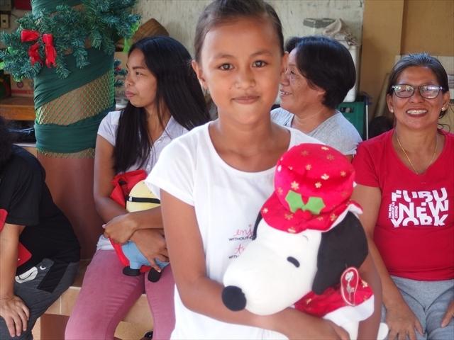 2018年フィリピン マリンドォケ島3地域 友好支援配布イベントのご報告_e0135675_13105090.jpg