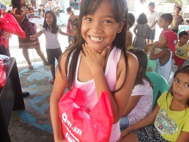 2018年フィリピン マリンドォケ島3地域 友好支援配布イベントのご報告_e0135675_13141766.jpg