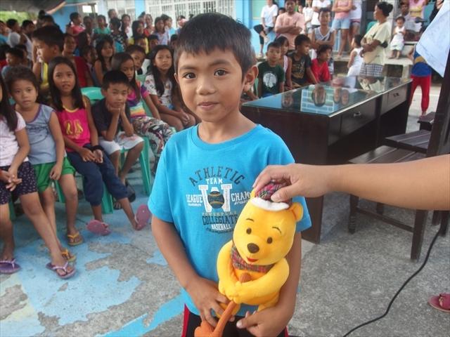 2018年フィリピン マリンドォケ島3地域 友好支援配布イベントのご報告_e0135675_13141822.jpg