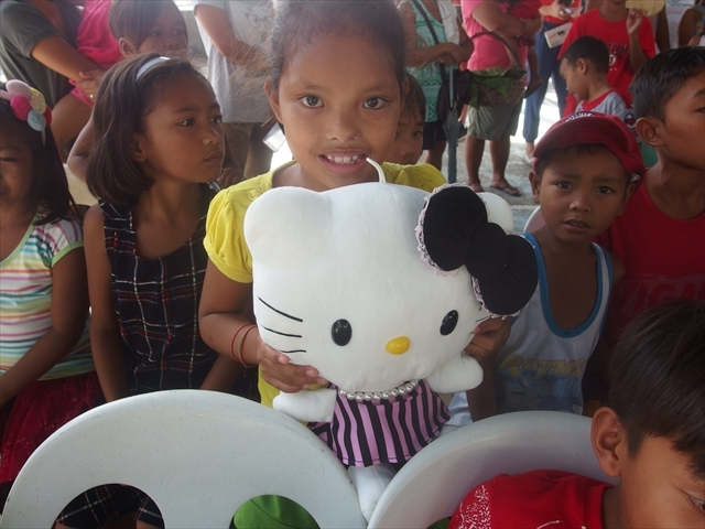 2018年フィリピン マリンドォケ島3地域 友好支援配布イベントのご報告_e0135675_13185891.jpg