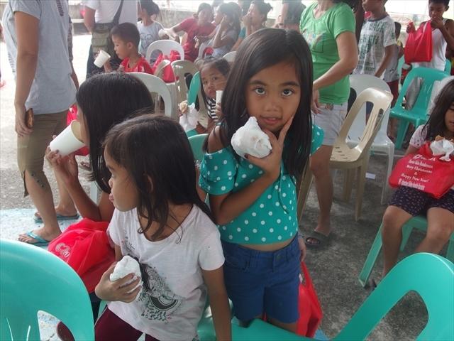 2018年フィリピン マリンドォケ島3地域 友好支援配布イベントのご報告_e0135675_13201953.jpg