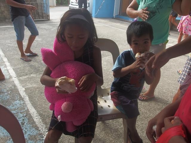 2018年フィリピン マリンドォケ島3地域 友好支援配布イベントのご報告_e0135675_13201963.jpg