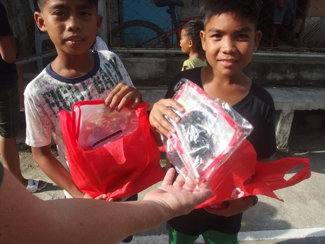 2018年フィリピン マリンドォケ島3地域 友好支援配布イベントのご報告_e0135675_13202126.jpg