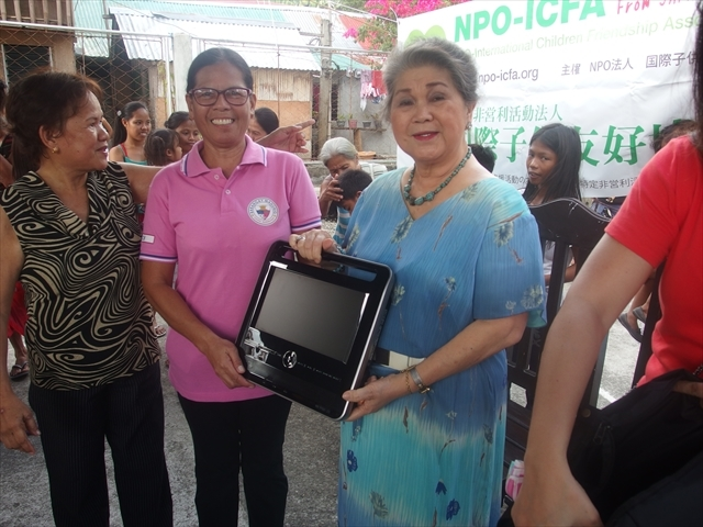 2018年フィリピン マリンドォケ島3地域 友好支援配布イベントのご報告_e0135675_13242349.jpg