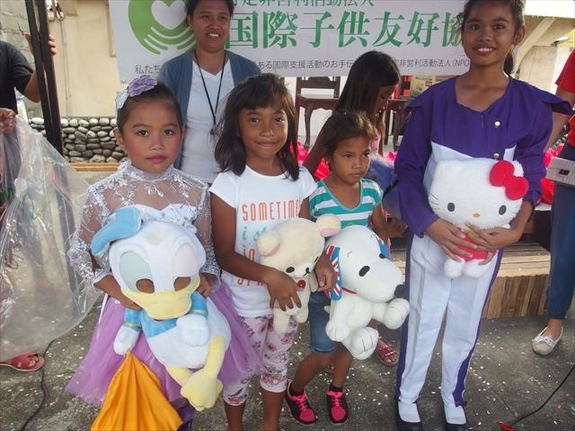 2018年フィリピン マリンドォケ島3地域 友好支援配布イベントのご報告_e0135675_13270434.jpg