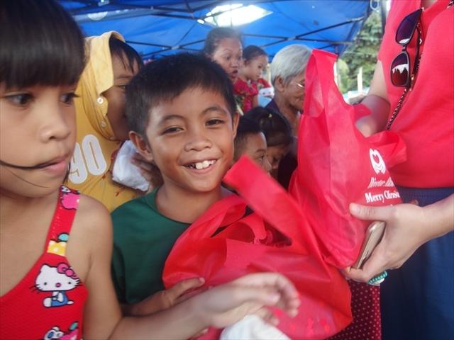 2018年フィリピン マリンドォケ島3地域 友好支援配布イベントのご報告_e0135675_13270439.jpg
