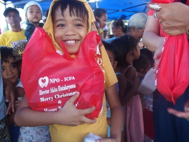 2018年フィリピン マリンドォケ島3地域 友好支援配布イベントのご報告_e0135675_13270496.jpg