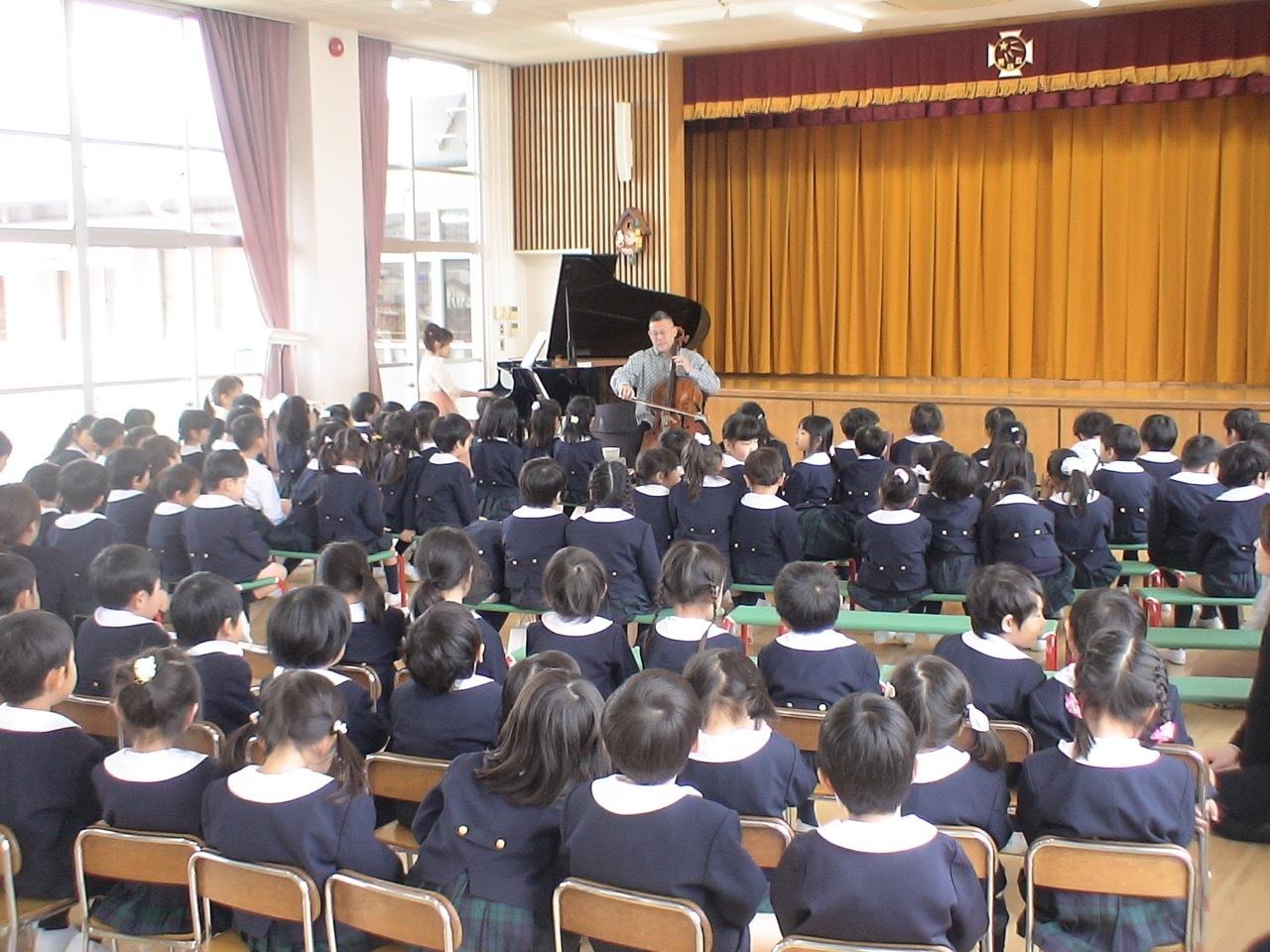 幼稚園コンサート_d0016397_01284708.jpg