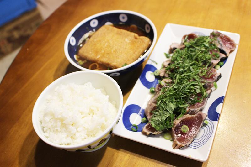 朝飯 藁焼き塩タタキ定食。_a0139912_08264430.jpg