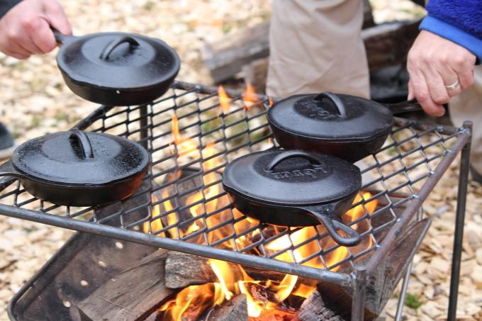 焚き火で作る簡単スキレット料理のワークショップが無事に終わりました!_e0149215_21272723.jpg