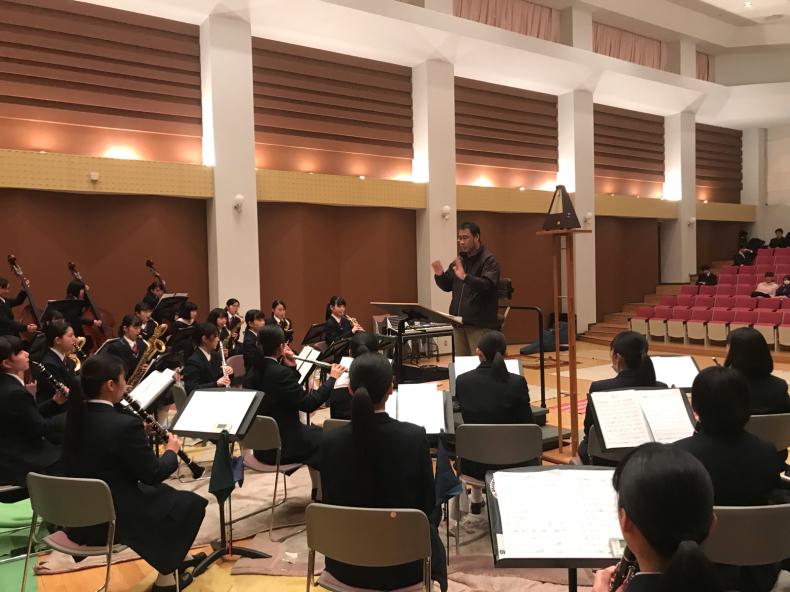 今日は、岡山県高等学校吹奏楽連盟主催による指導者講習会が、本校おんじホールで開催されました!_d0016622_19540860.jpg