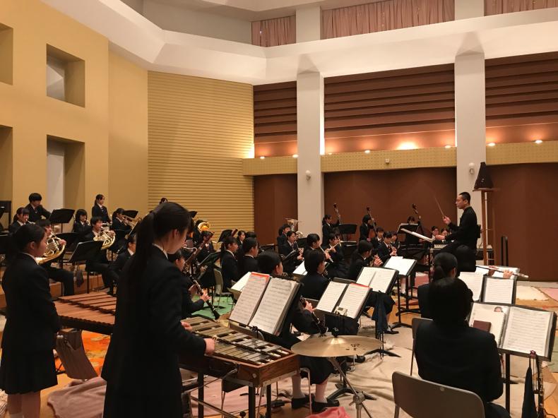 今日は、岡山県高等学校吹奏楽連盟主催による指導者講習会が、本校おんじホールで開催されました!_d0016622_19544075.jpg