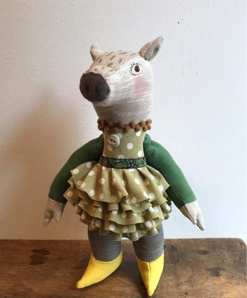 IRIIRIさんの春の装いのイノシシ 2.10 cocoa news_a0043747_17170221.jpg