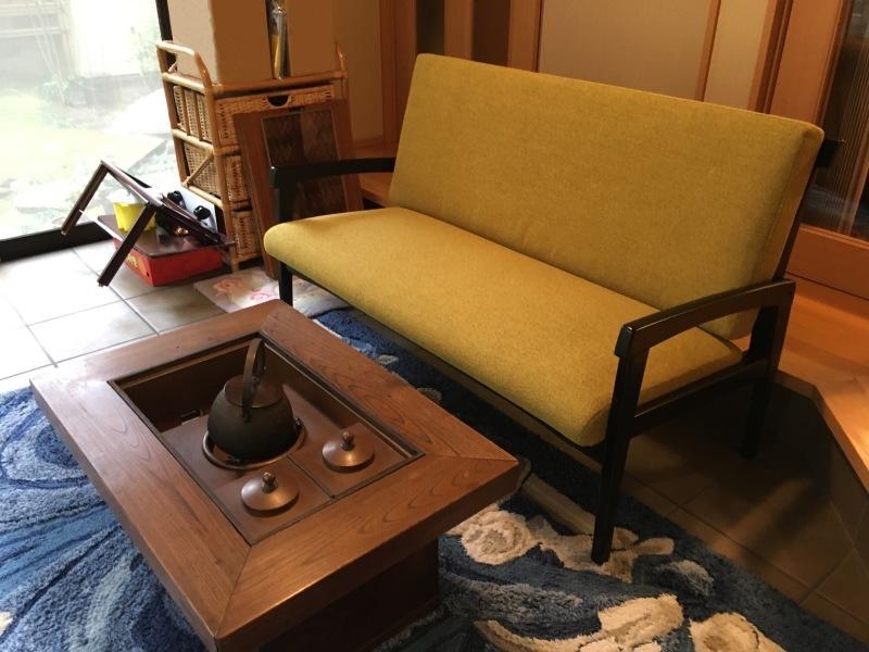 50年ご愛用のカリモク家具製長椅子と椅子の修理 石川県金沢市K様_d0224984_12050579.jpeg
