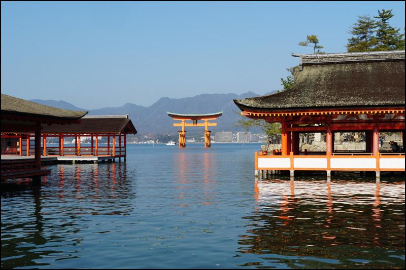 厳島神社_b0019313_16031327.jpg