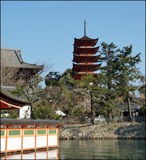 厳島神社_b0019313_16044691.jpg
