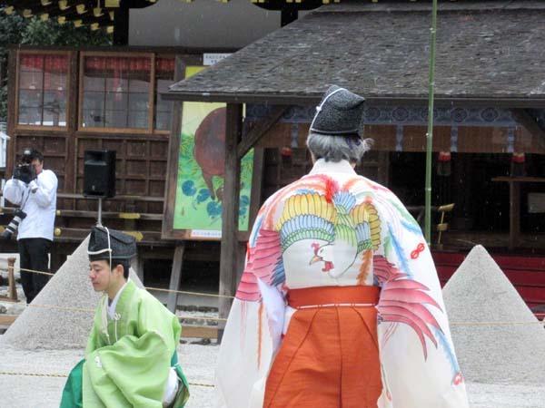 建国記念日 上賀茂神社けまり_e0048413_21433345.jpg