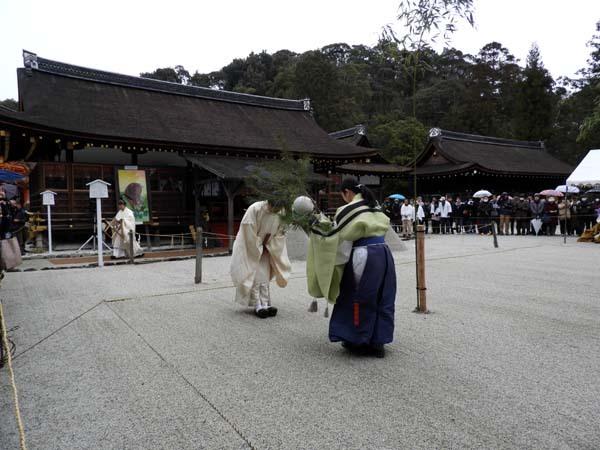 建国記念日 上賀茂神社けまり_e0048413_21441366.jpg