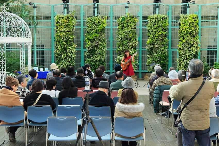 久屋大通庭園フラリエ  バレンタイン・ガーデンライブ!_f0373339_2213579.jpg