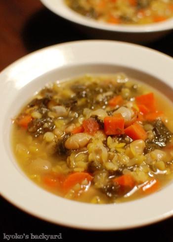 しましまチキンのせ大盛りサラダ&具だくさんスープ_b0253205_05502533.jpg