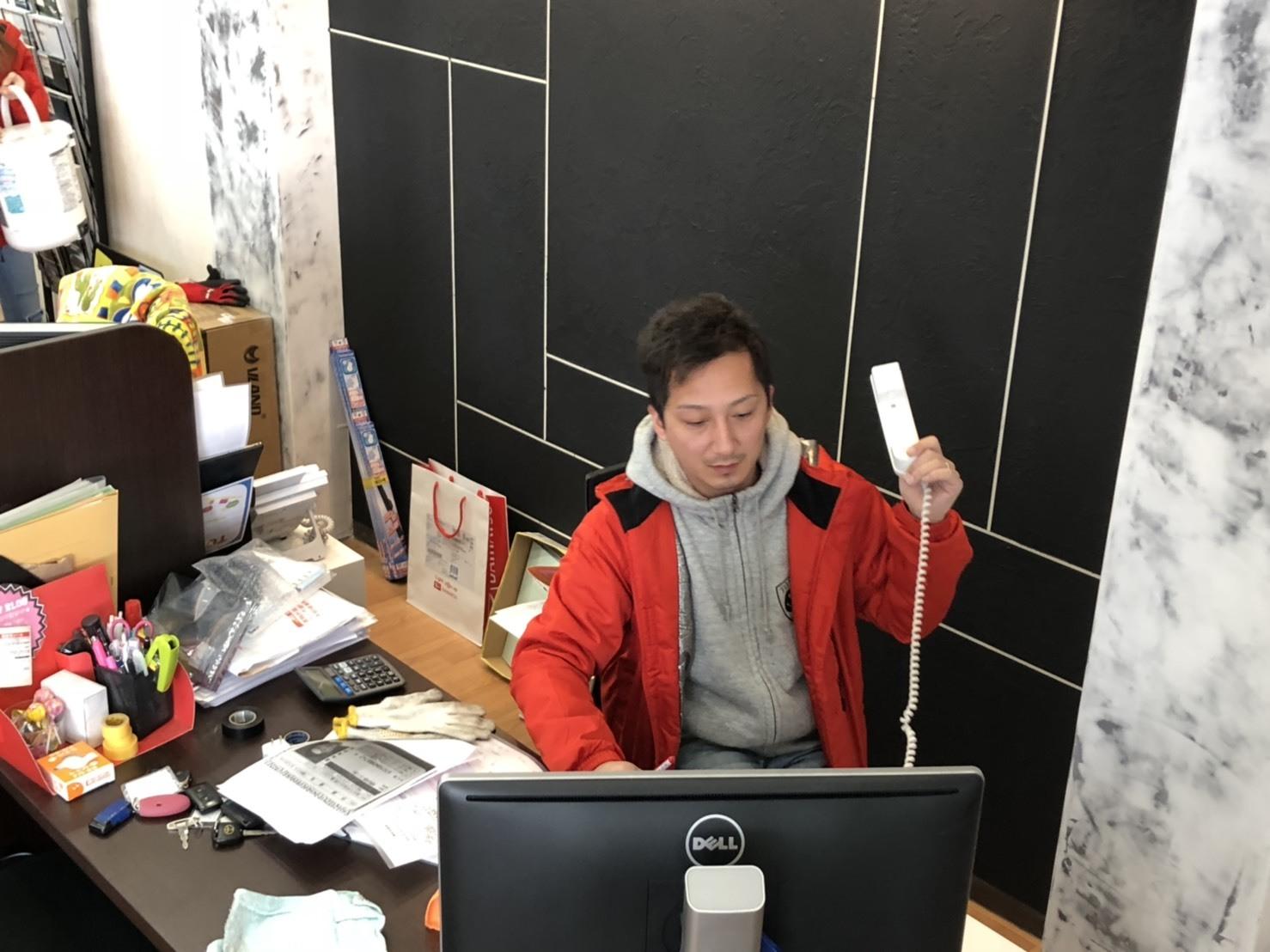2/13(水)本店ブログ♪ タントカスタムRS 26000キロ♡ブラック♡ あります!! ランクル ハマー アルファード_b0127002_18445592.jpg