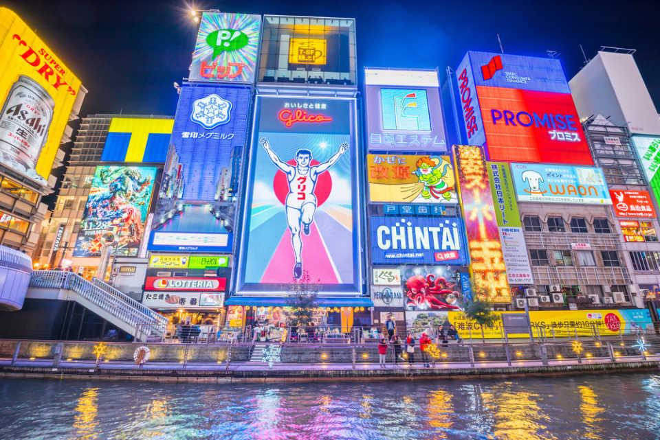 2/13(水)本店ブログ♪ タントカスタムRS 26000キロ♡ブラック♡ あります!! ランクル ハマー アルファード_b0127002_19111096.jpg