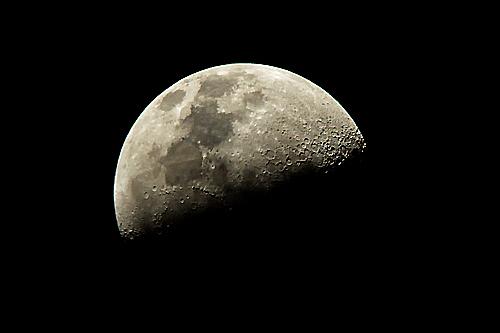 (続)伊勢志摩の夜話。連日連夜の好天に「月」を天体望遠鏡で覗いている・・・。_b0169522_20533299.jpg