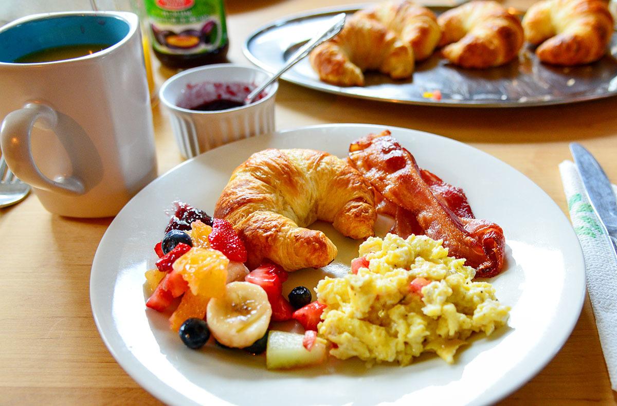 カナダの山小屋の食事で、フレッシュな野菜や食材がたくさん提供される理由とは?_d0112928_06053195.jpg
