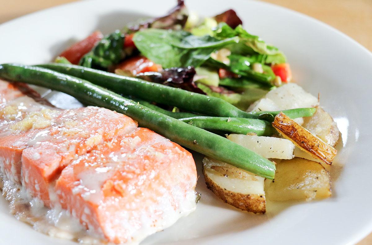 カナダの山小屋の食事で、フレッシュな野菜や食材がたくさん提供される理由とは?_d0112928_06054054.jpg