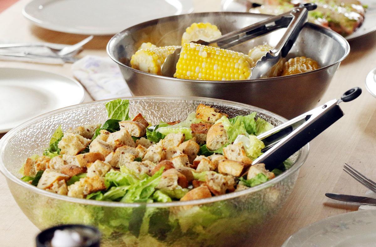 カナダの山小屋の食事で、フレッシュな野菜や食材がたくさん提供される理由とは?_d0112928_06054073.jpg