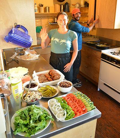 カナダの山小屋の食事で、フレッシュな野菜や食材がたくさん提供される理由とは?_d0112928_06054789.jpg