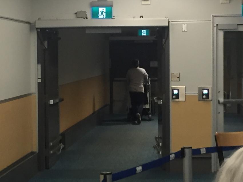 新しくなった バンクーバー空港の国内線乗り継ぎ方法。( 2019年1月現在 )_d0112928_06555238.jpg