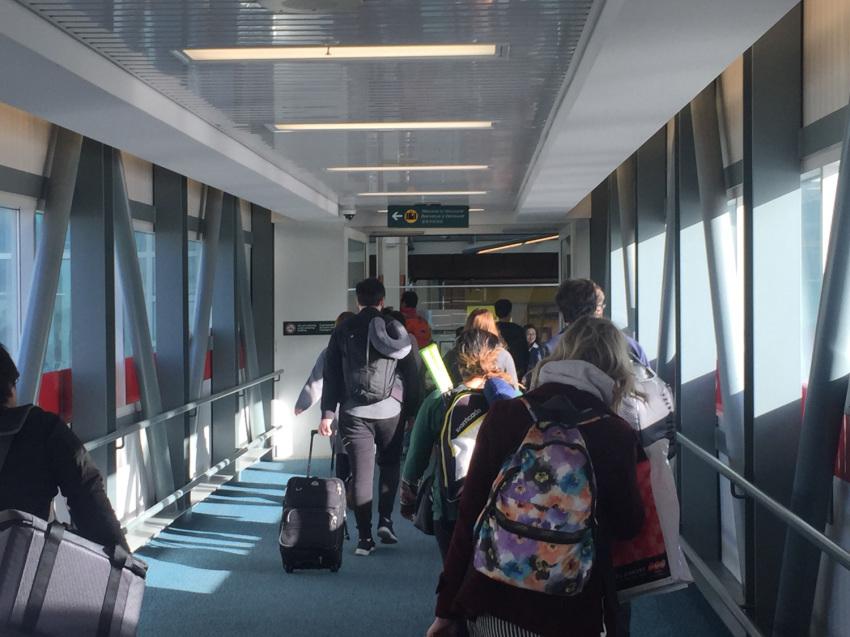 新しくなった バンクーバー空港の国内線乗り継ぎ方法。( 2019年1月現在 )_d0112928_07005807.jpg