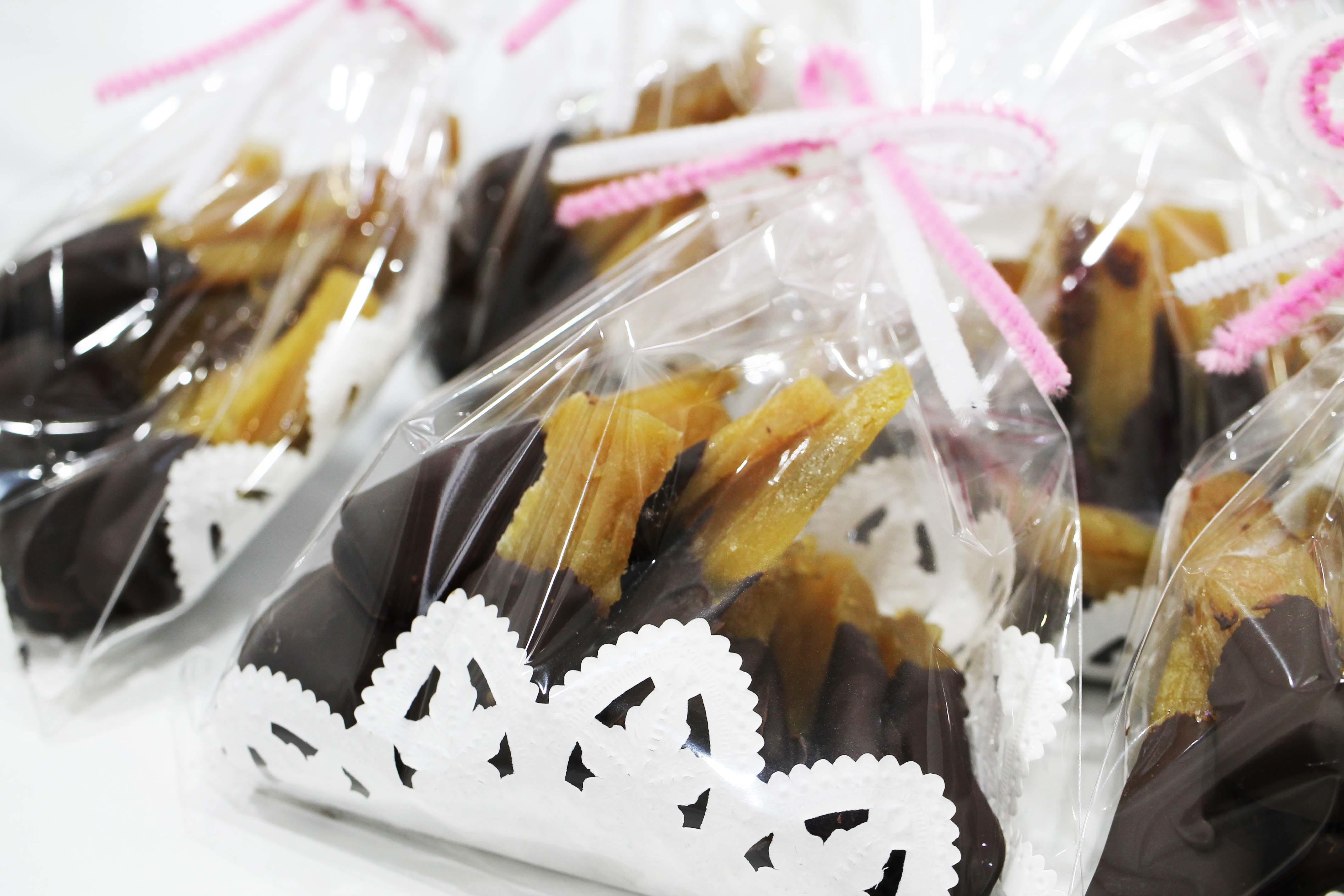 干し芋のチョコレートがけ_d0377645_16380786.jpg