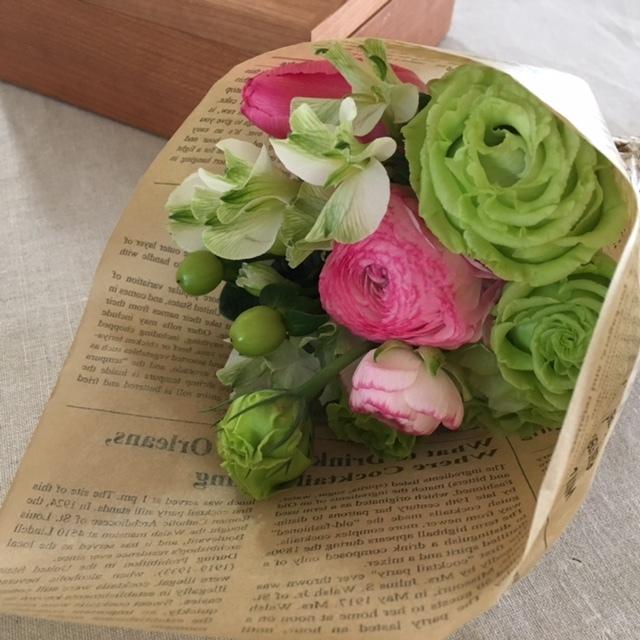 mini bouquet  ピンクのラナンキュラとチューリップを♪_a0165160_11291446.jpg