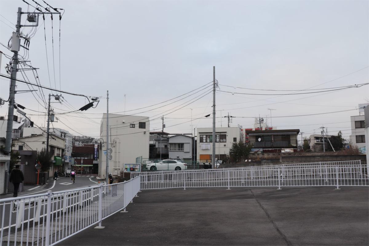 柿生駅南口再開発が始動 駅前に30階建て高層ビル建設へ 着手前の状況_a0332275_02533386.jpg