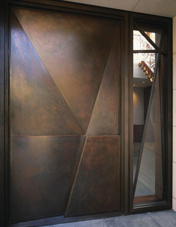 鉄製の扉&壁_d0335577_12052126.jpg