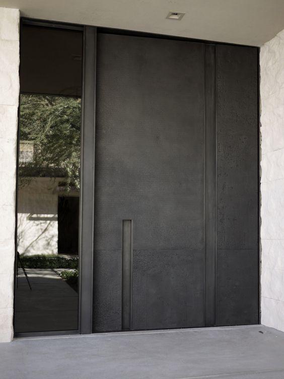 鉄製の扉&壁_d0335577_12053073.jpg