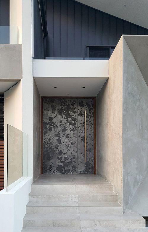 鉄製の扉&壁_d0335577_12060817.jpg
